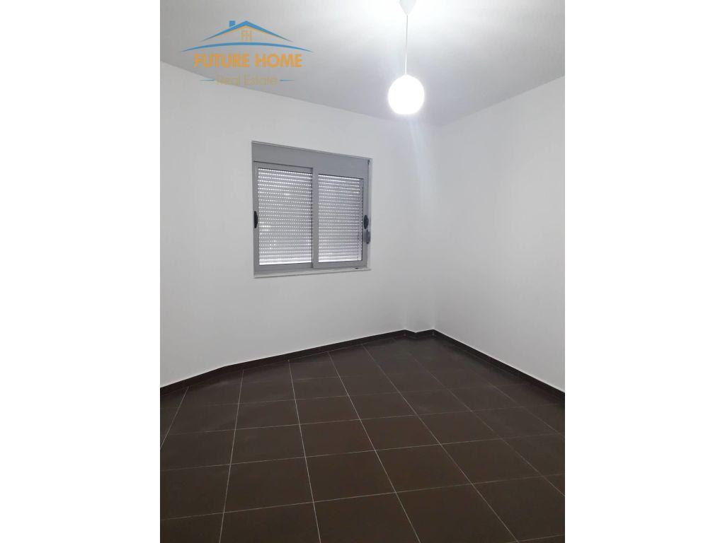 Shitet, Apartament 2+1, Liqeni i Thatë, Tiranë.