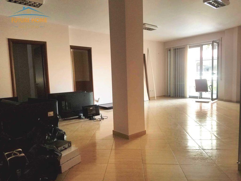 Shitet, Apartament 3+1, Don Bosko