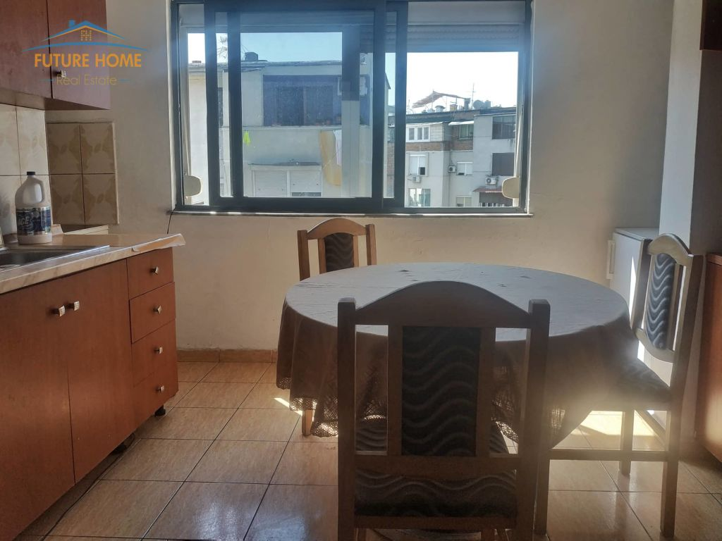 Qera, Apartament 2+1, Rruga Mine Peza