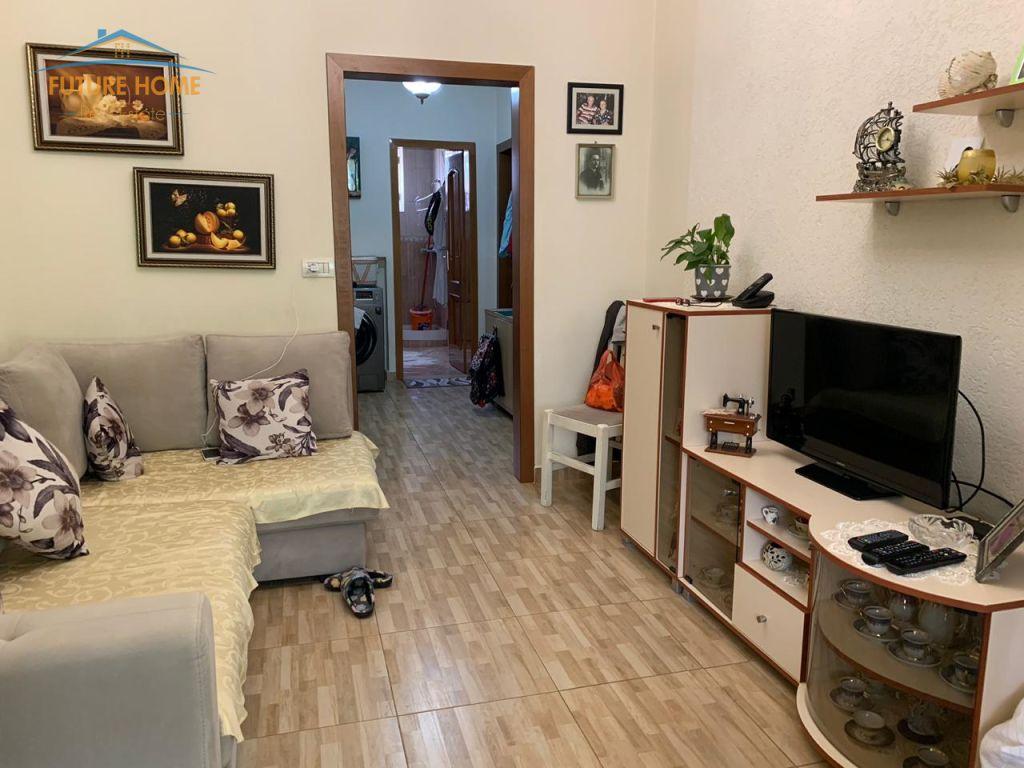 Shitet, Apartament 2+1, Myslym Shyri