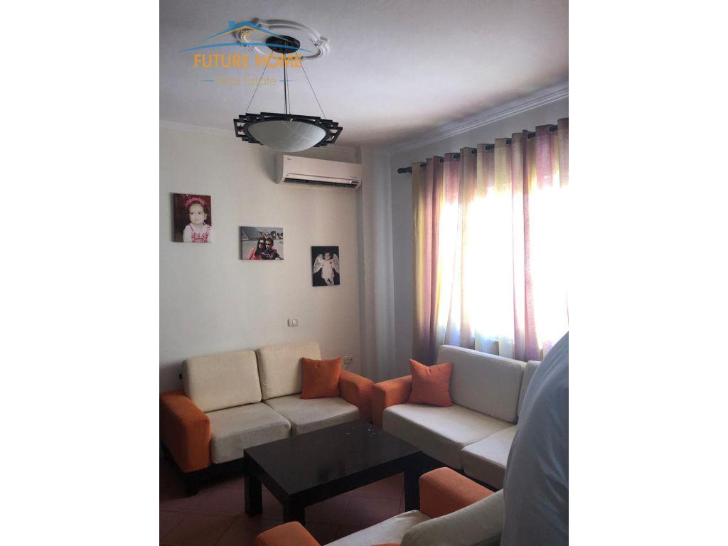 Shitet, Apartament 2+1, Fresku