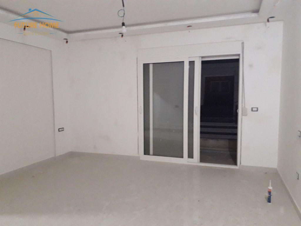 Shitet,Apartament 3+1,Yzberisht