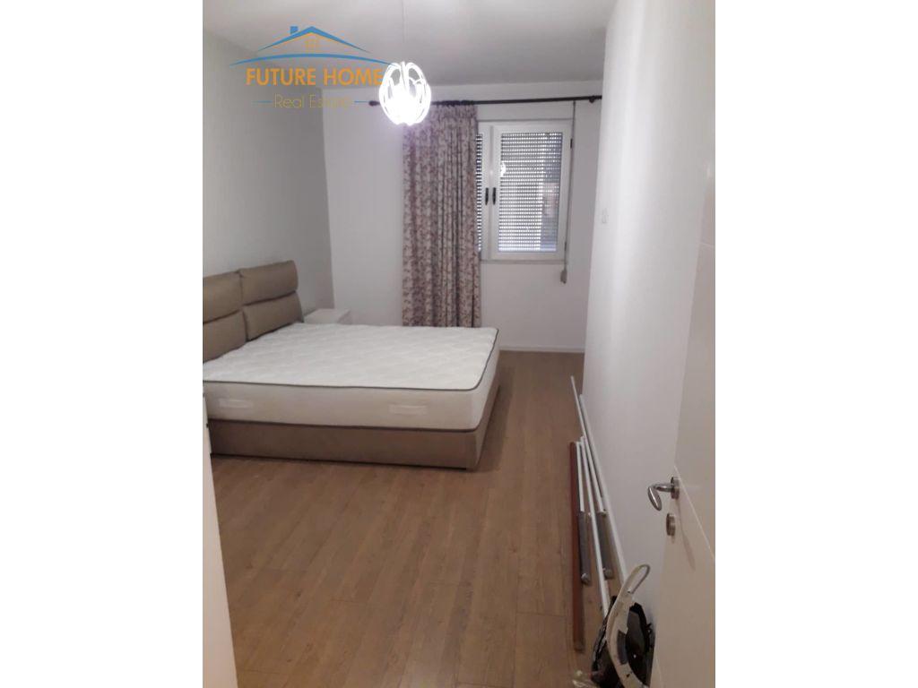 Shitet, Apartament 2+1, Stadiumi Dinamo, Tiranë.
