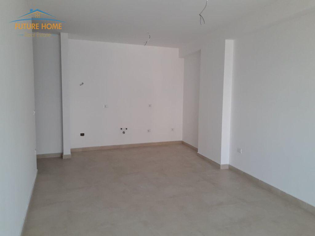Shitet, Apartament 1+1 , Qendër