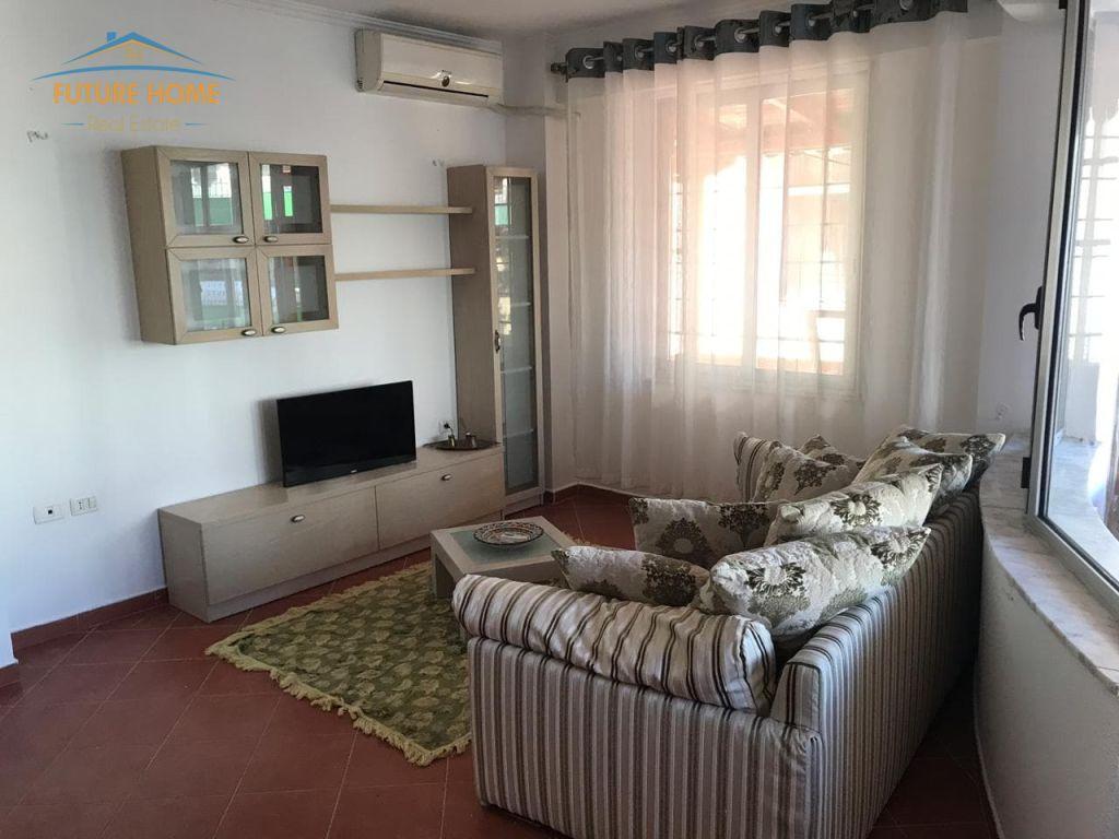 Qera, Apartament 1+1, Komuna Parisit, Tiranë.