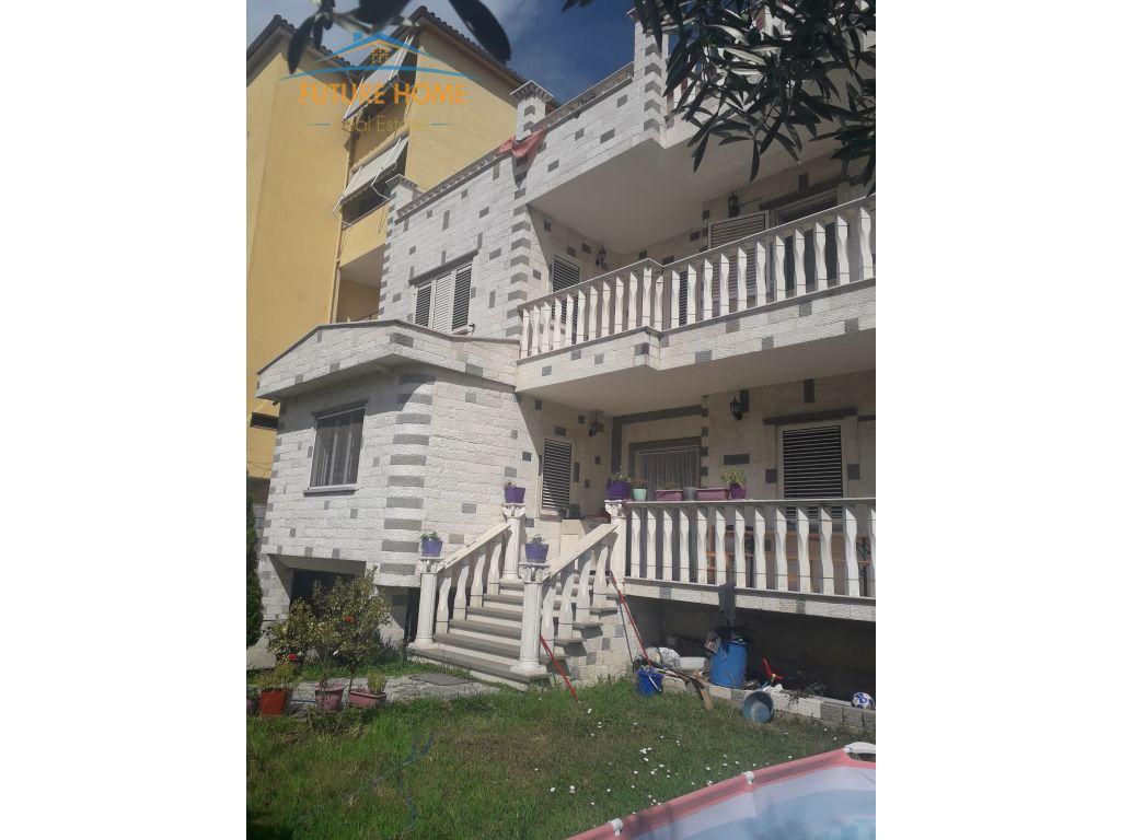 Sell, Villa, Don Bosco