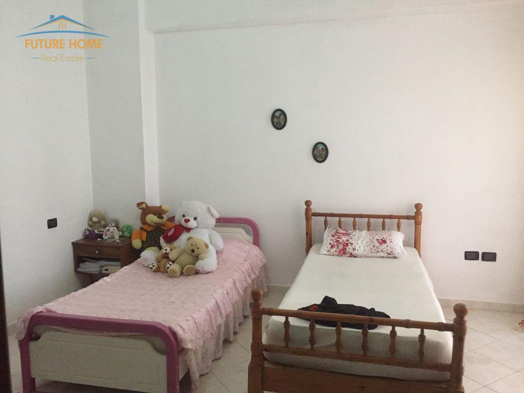 Shitet, Apartament 2+1, Yzberisht, Tiranë