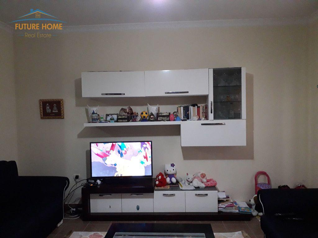 Shitet, Apartament 2+1, Unaza e Re, Tiranë.