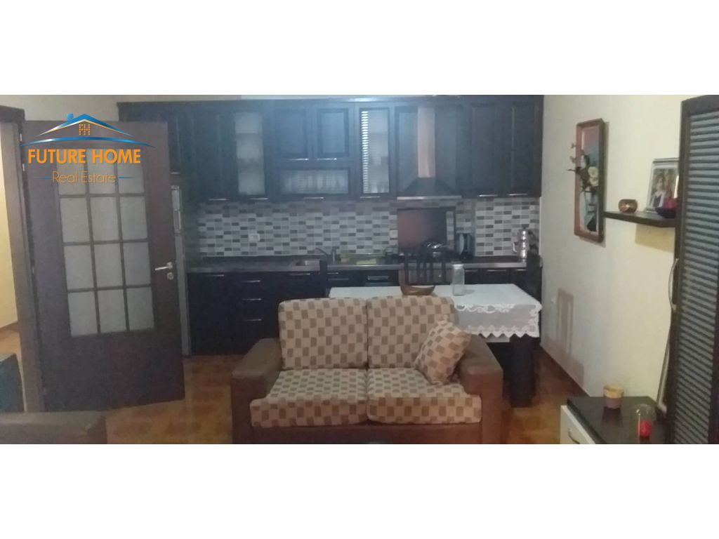 Qera, Apartament 2+1, Selvia