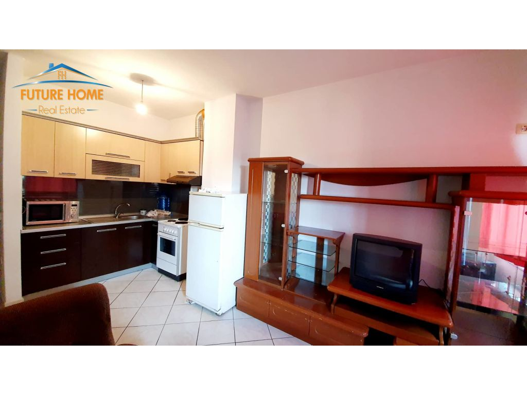 Shitet,Apartament 1+1,Unaza e Re