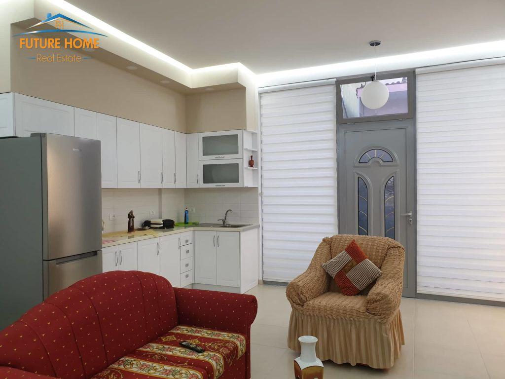 Qera, Apartament 3+1, Fresku