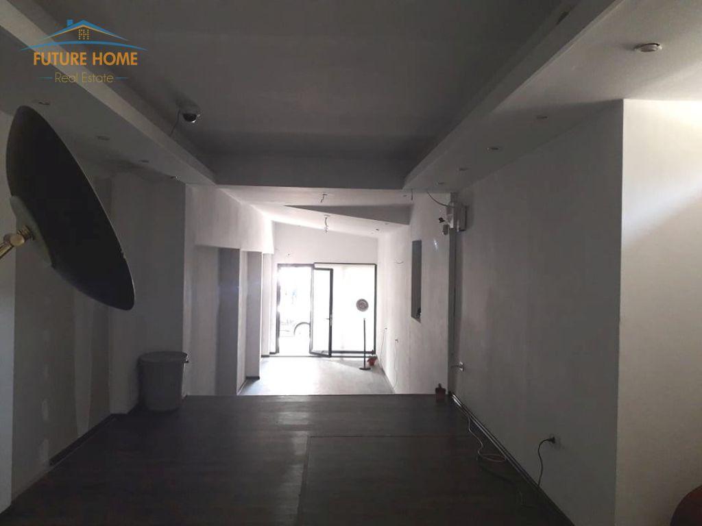 Qera, Ambient, Bllok, Tiranë,