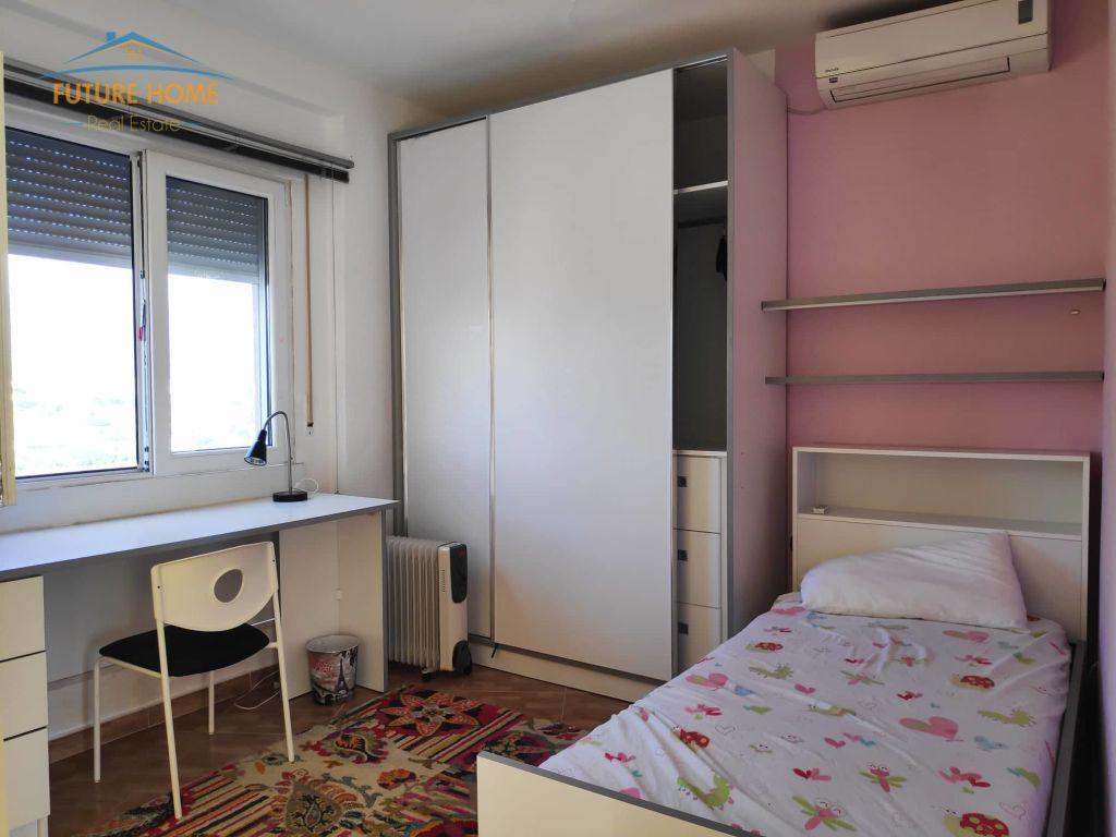 Shitet, Apartament 4+1, Liqeni i Thatë, Tiranë.