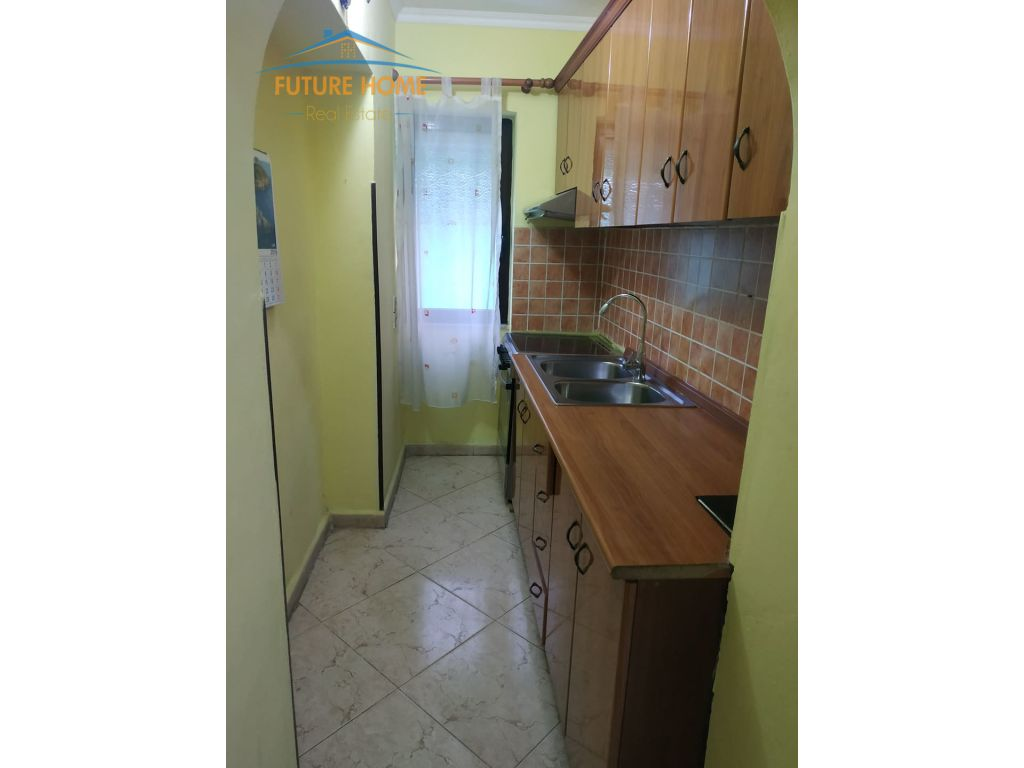 Shitet, Apartament 1+1, Medreseja