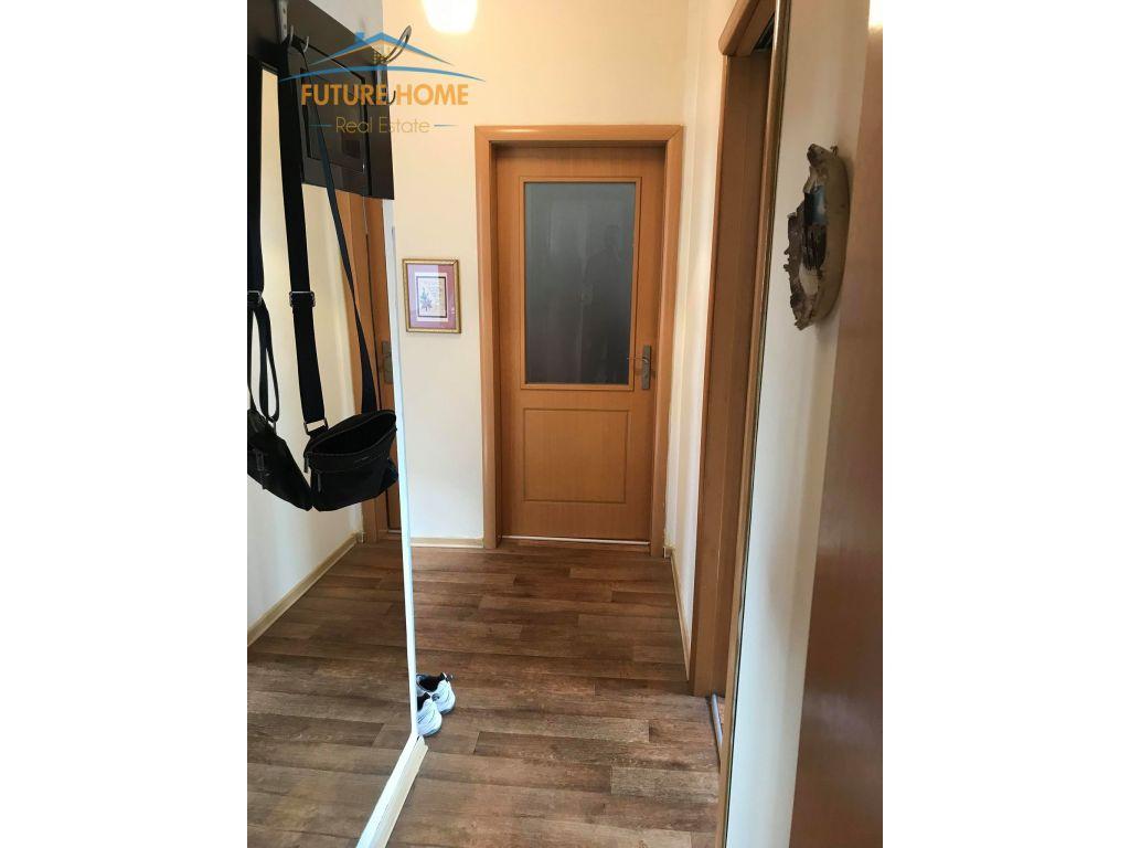 Shitet,Apartament 3+1,Rruga Bardhyl