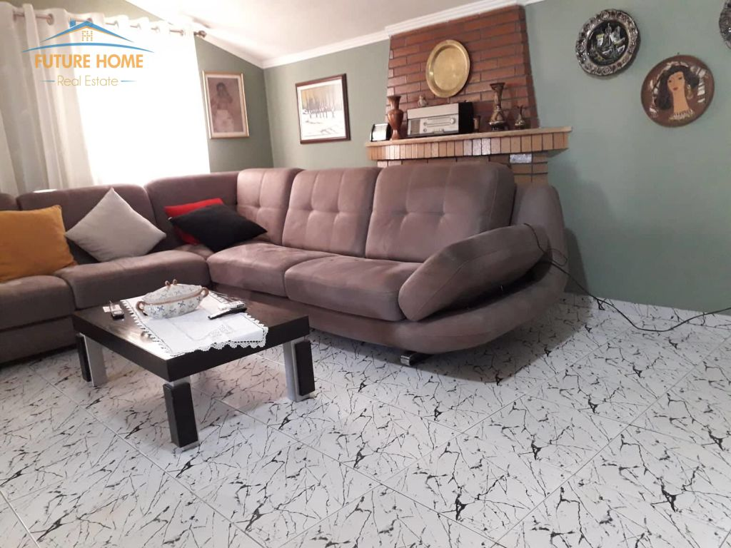 Shitet, Apartament 2+1, Medreseja