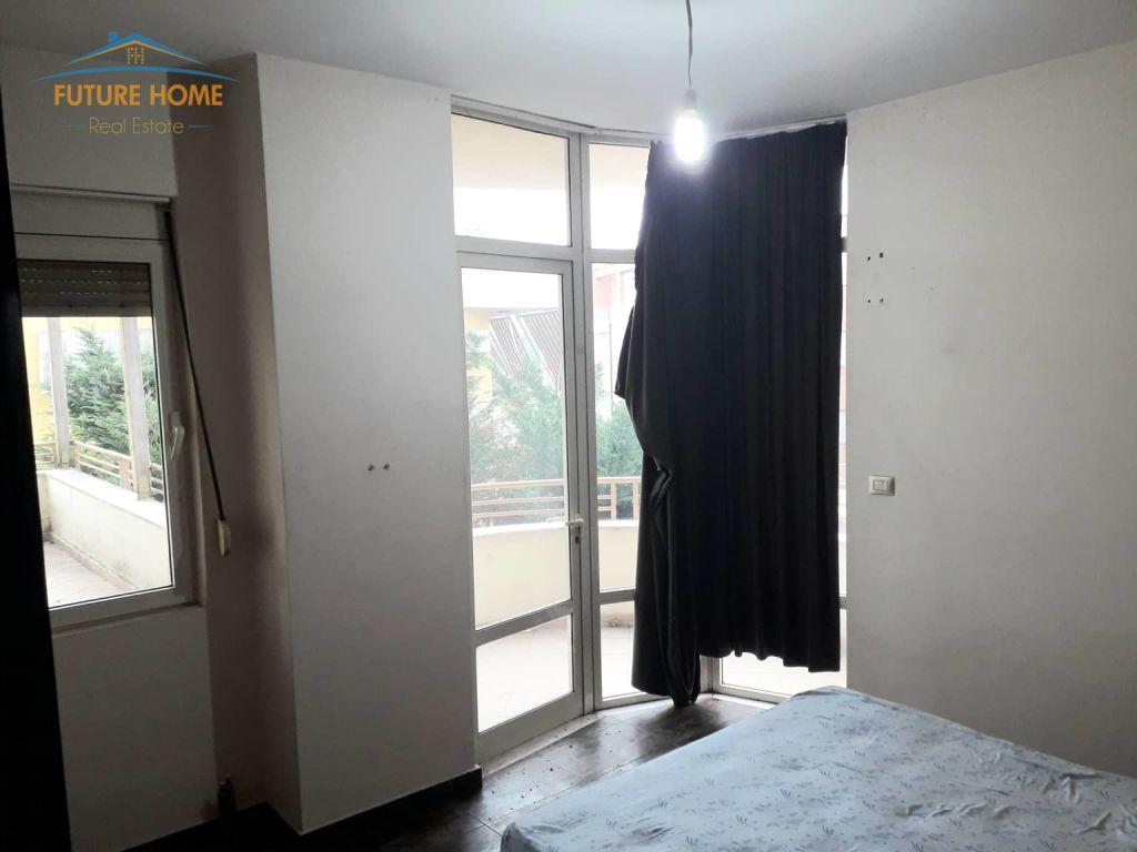 Shitet, Apartament 1+1, Liqeni i Thatë, Tiranë.