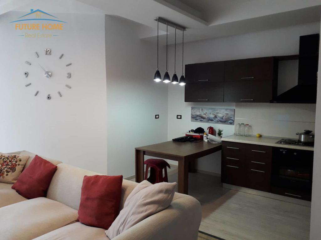 Shitet,Apartament 1+1,Unaza E Re