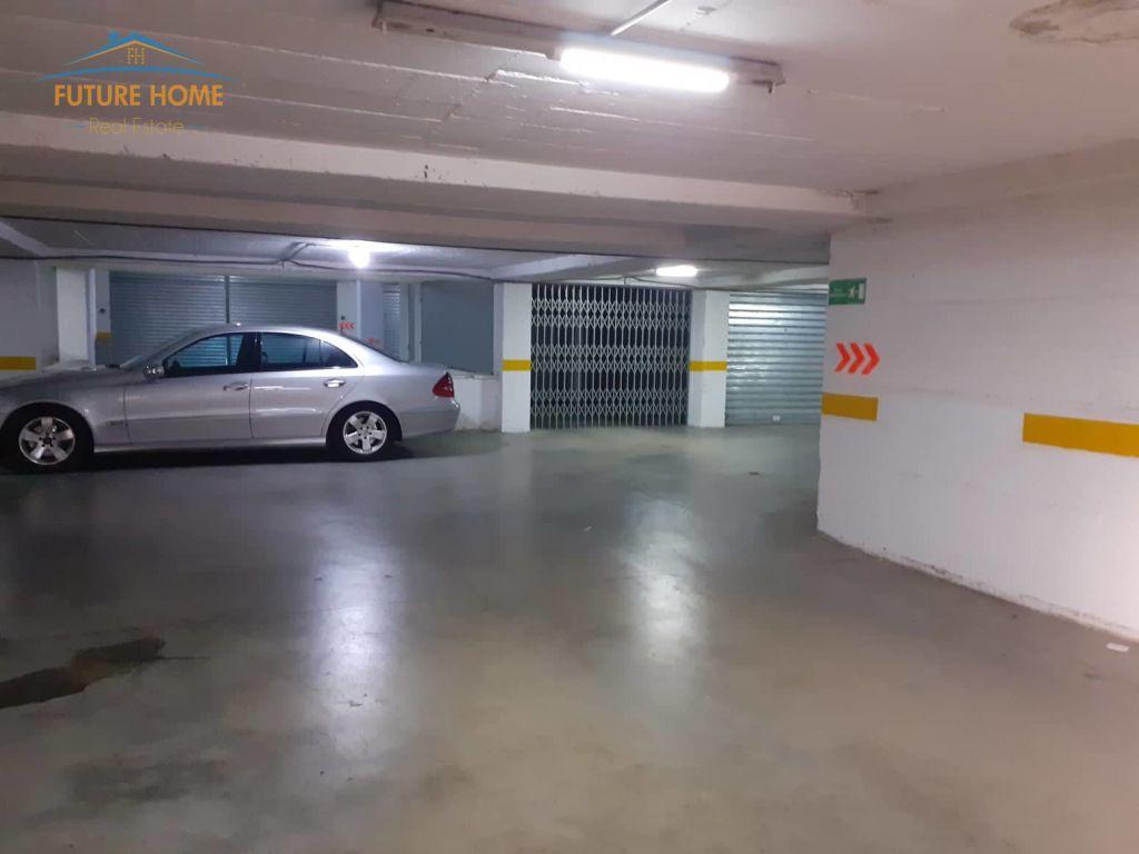 Shitet,Parking,Bulevardi Zhan D'Ark