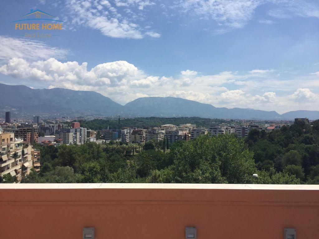 Shitet, Vilë, Kodra e Diellit, Tiranë.