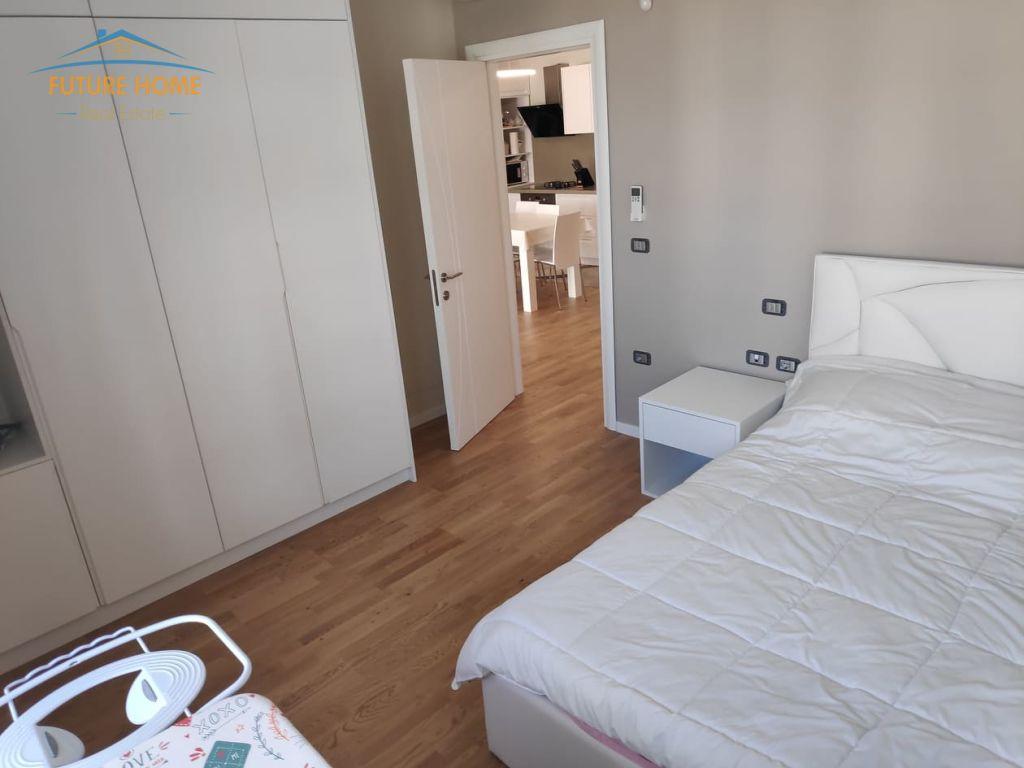 Qera, Apartament 2+1, Kopshti Zoologjik, Tiranë.