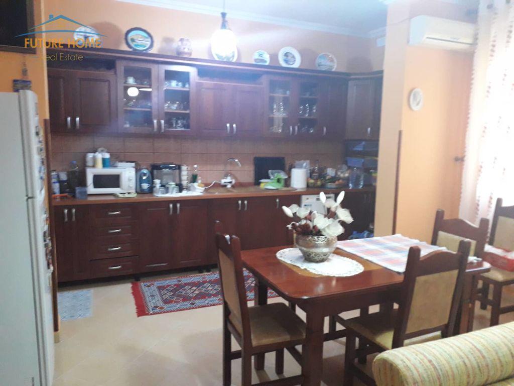 Shitet,Apartament 2+1,Yzberisht