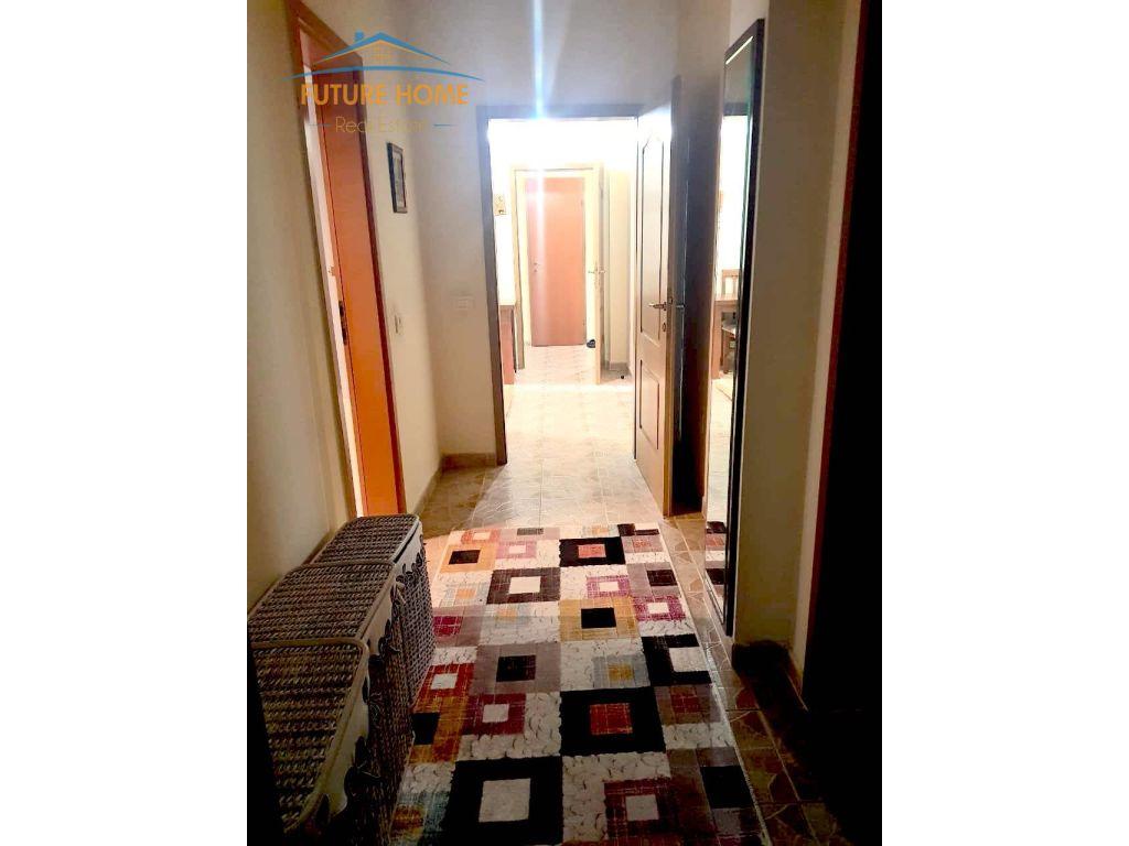 Shitet, Apartament 2+1, Blloku