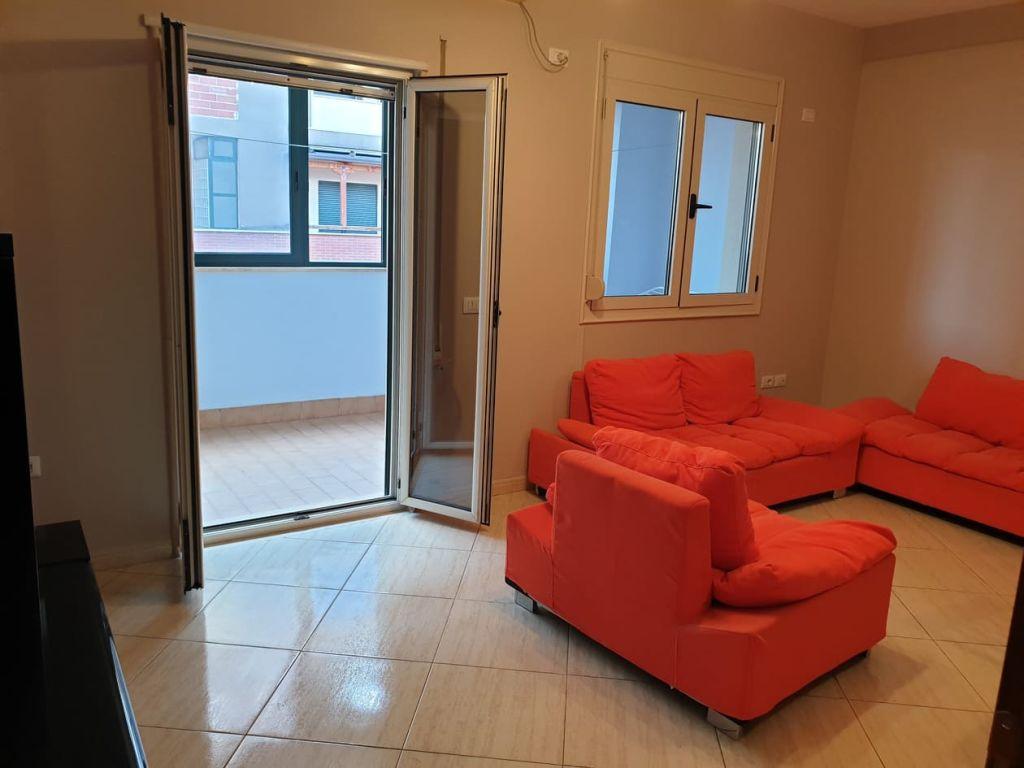Qera,Apartament 1+1,Qendër