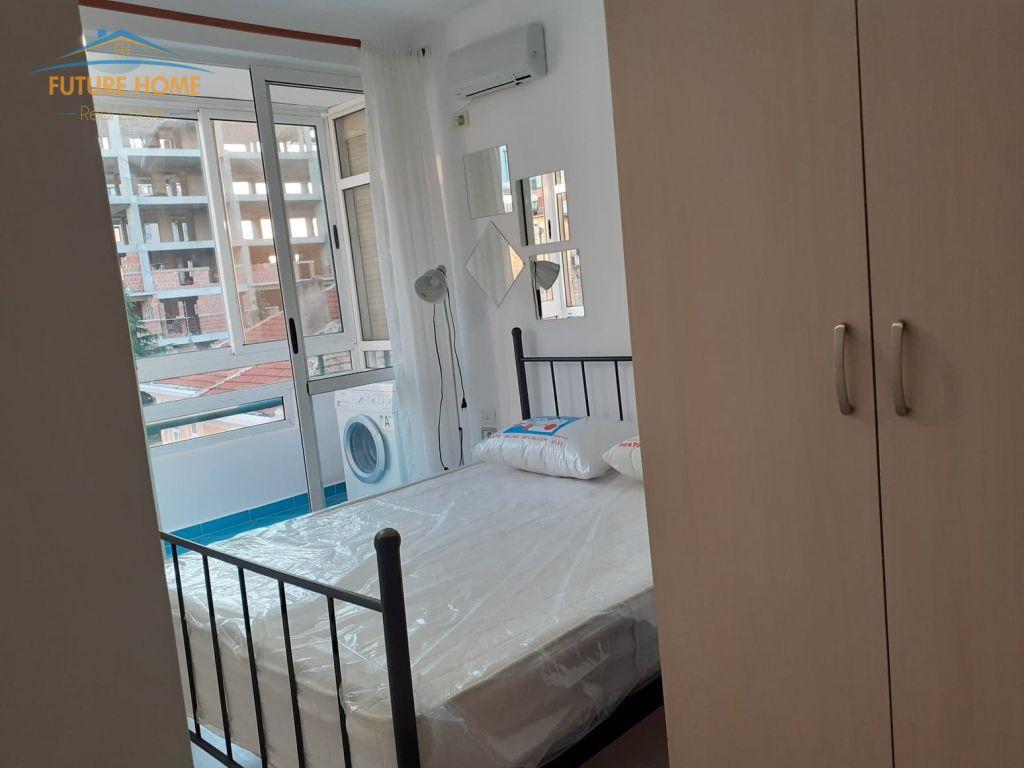 Qera,Apartament 1+1,Rruga e Barrikadave