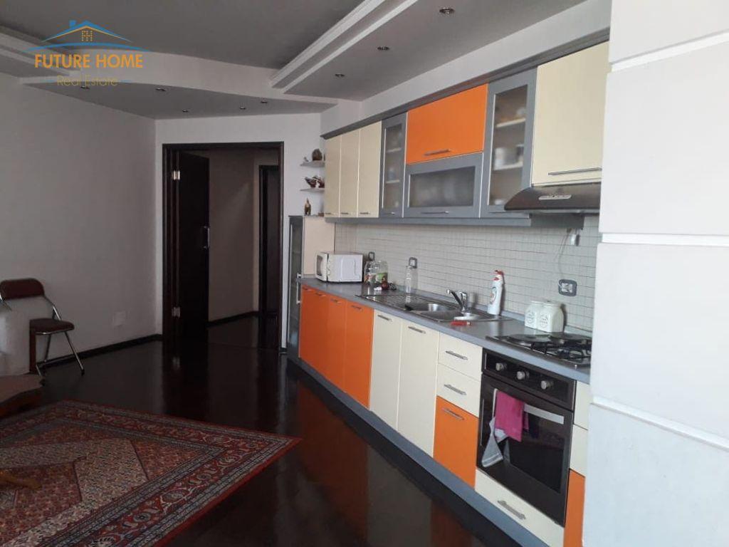 Shitet, Apartament 3+1, Kodra e Diellit, Tiranë.
