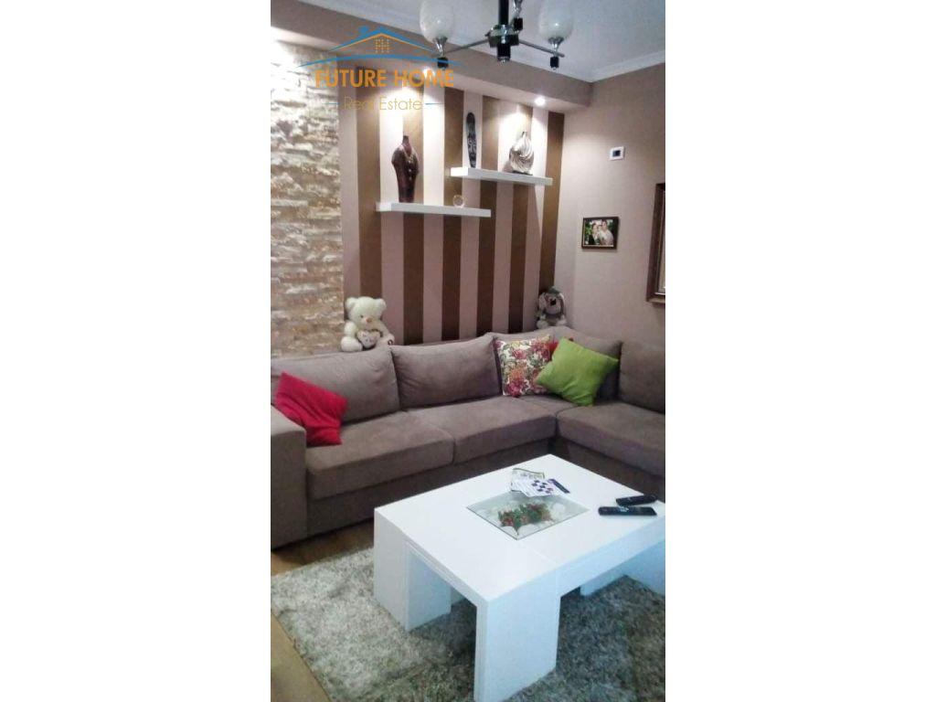 Qera, Apartament 1+1, Fresku