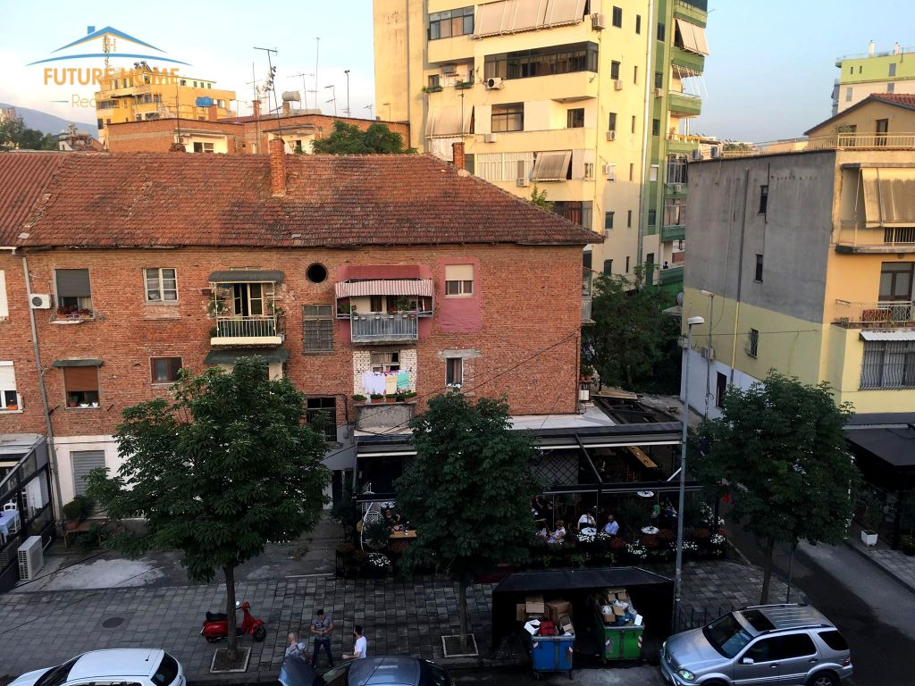 Shitet, Apartament 2+1, Stadiumi Dinamo, Tiranë