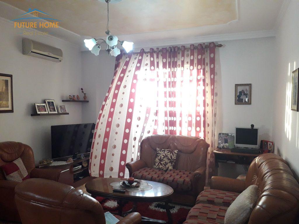 Shitet,Apartament 2+1,Rruga E Kavajes