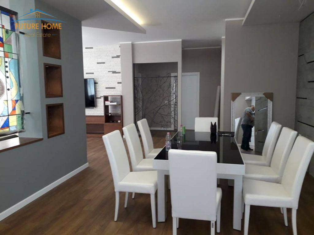 Qera, Apartament 4+1, Komuna e Parisit, Tiranë