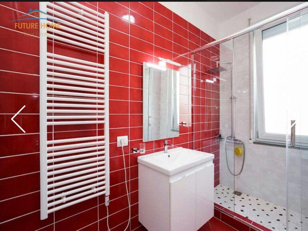 Shitet, Apartament 3+1, Kopshti Botanik, Tiranë.