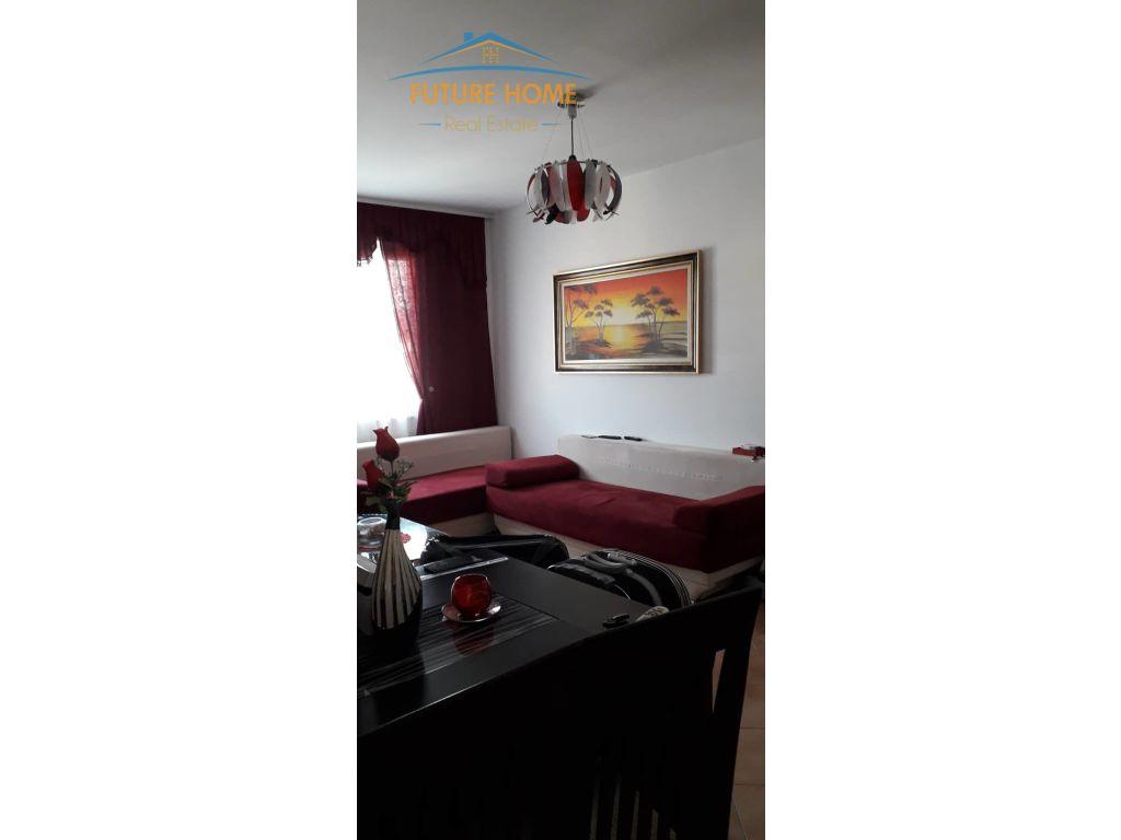 Shitet,Apartament 3+1,Rruga Mihal Grameno