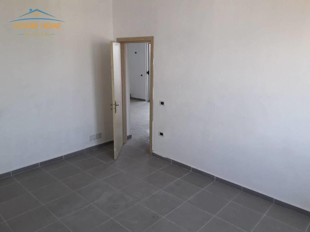 Shitet, Apartament 2+1, Kamëz