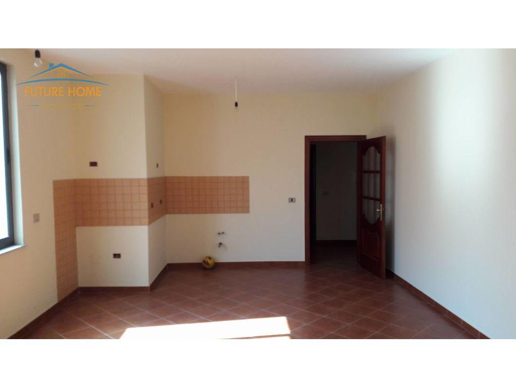 Shitet, Apartament 3+1, Selvia