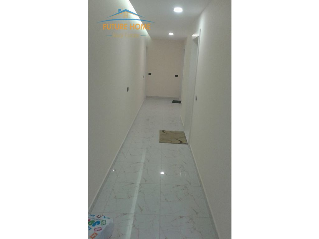 Apartament Duplex, Qender