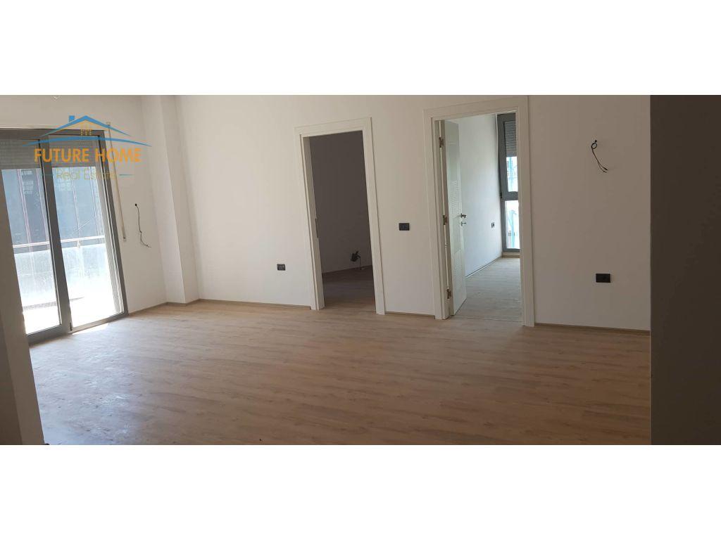 Shitet, Apartament 1+1 Rruga e Kosovareve, Tiranë