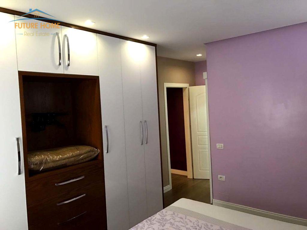 Shitet/Qera, Apartament 2+1, Kopshti Zoologjik, Tiranë.