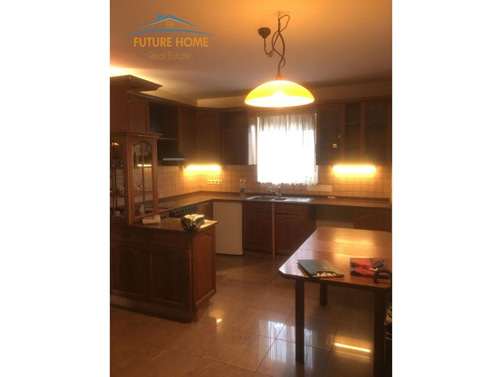 Qera, Apartament 3+1, Restorant Durresi