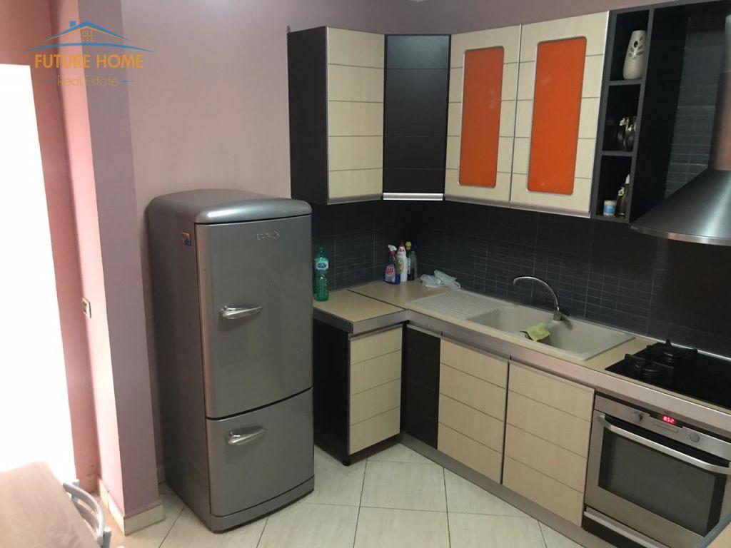 Qera, Apartament 3+1 ,  Bllok, Tiranë
