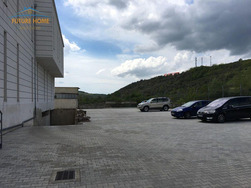 Shitet/Qera, Godine Biznesi, Autostrada Tiranë-Durres