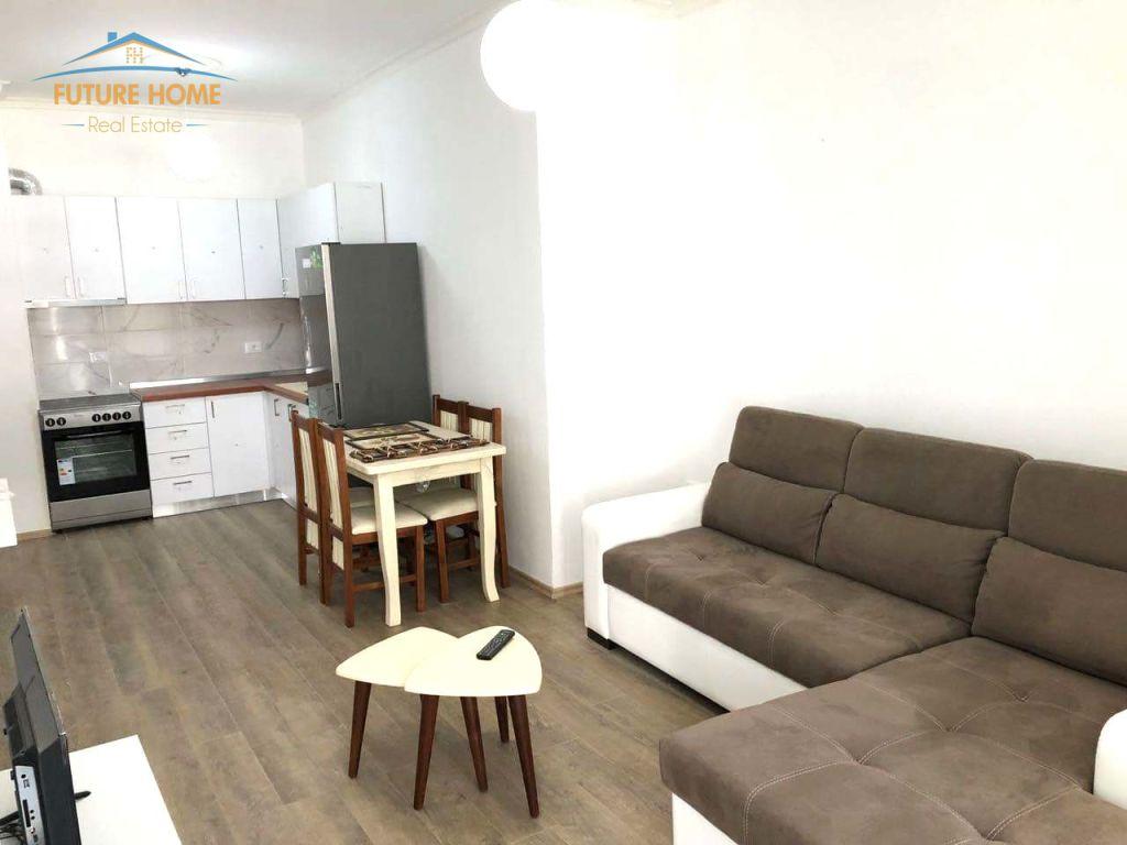 Qera,Apartament 2+1, Komuna e Parisit, Tiranë