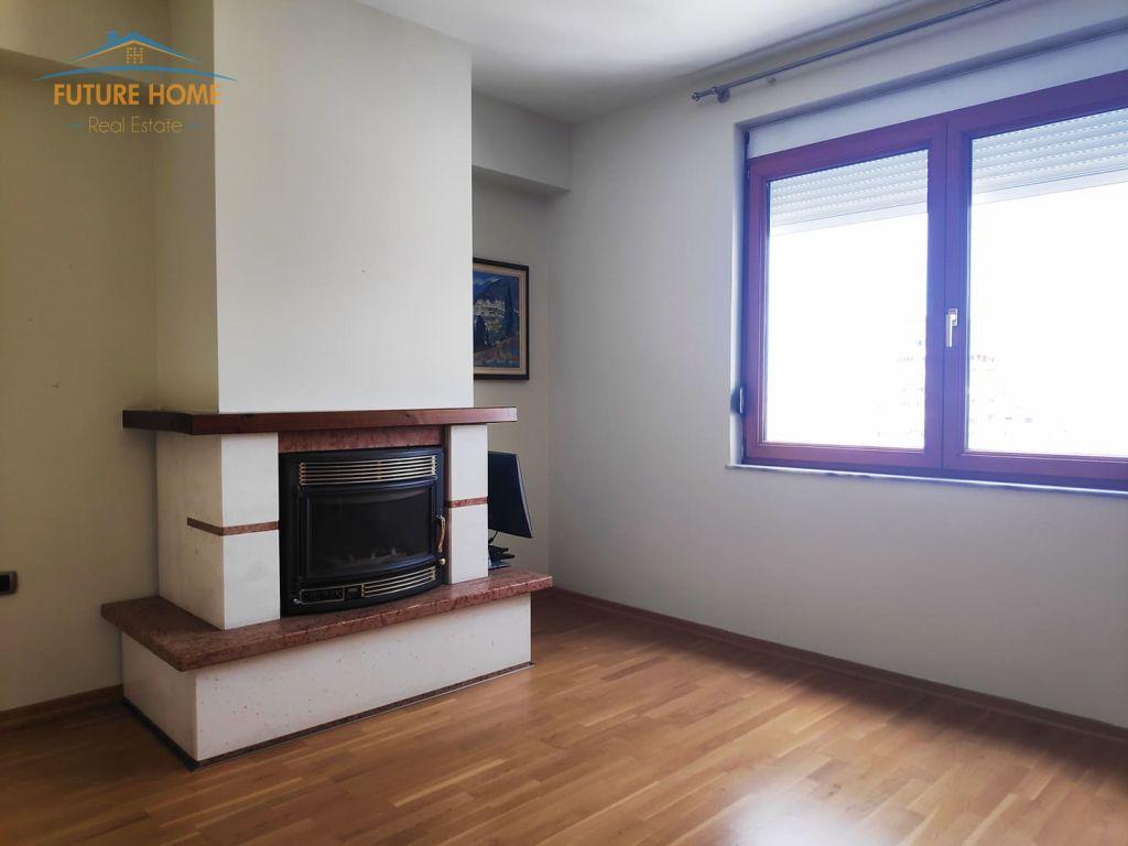 Shitet, Apartament 2+1, Bllok, Tiranë.