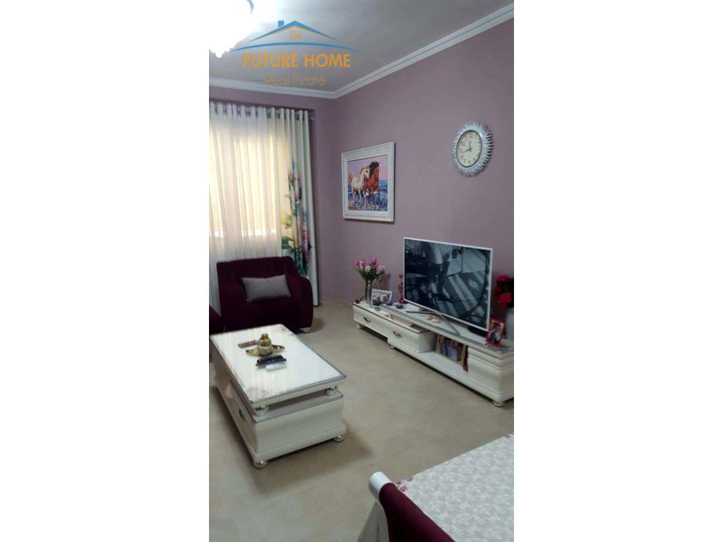 Shitet, Apartament 2+1, Liqeni i Thatë, Tiranë