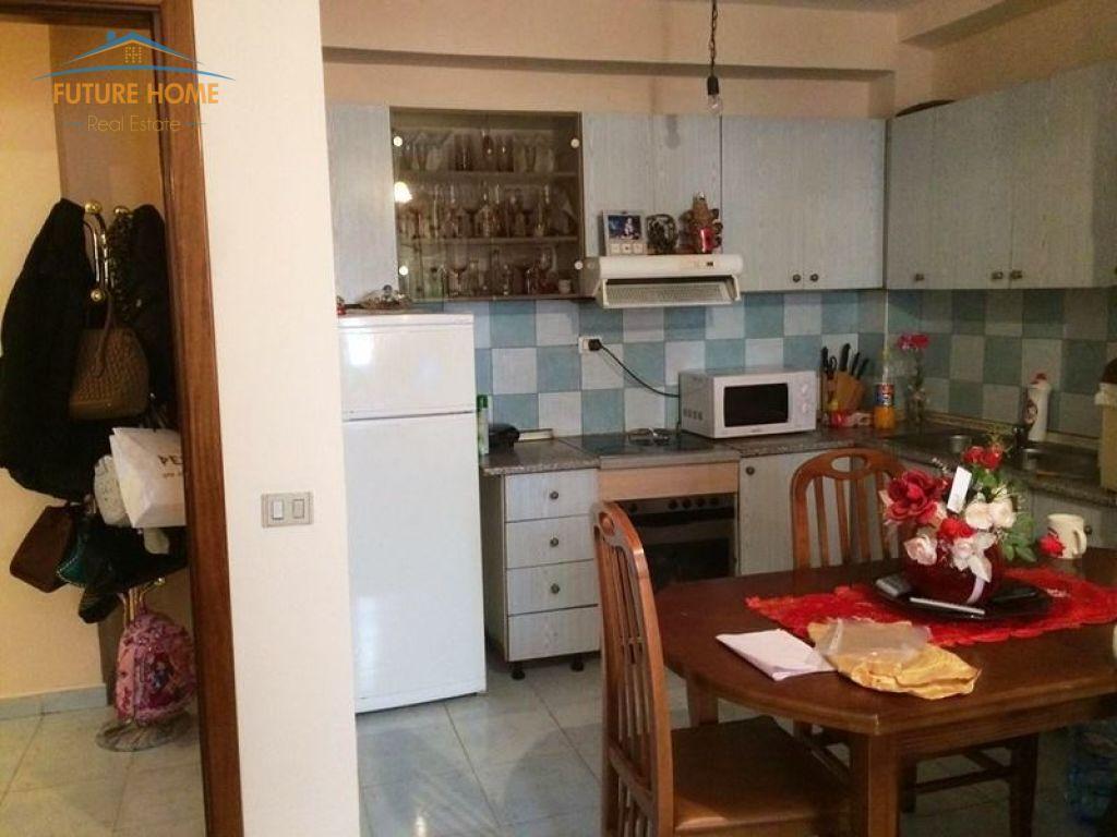 Shitet, Apartament 1+1, Sheshi Wilson, Tiranë