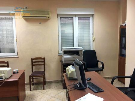 For Sale / Detaje, Apartament 2 + 1, Centar, Tiranë