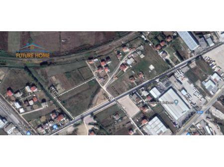 Shitet,Tokë,Autostrada Tirane-Durres